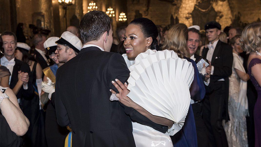 Bildextra! Se kändisarna släppa loss på dansgolvet i Gyllene salen