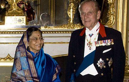 Ännu en groda signerad <br>prins Philip då Indiens president kom på besök