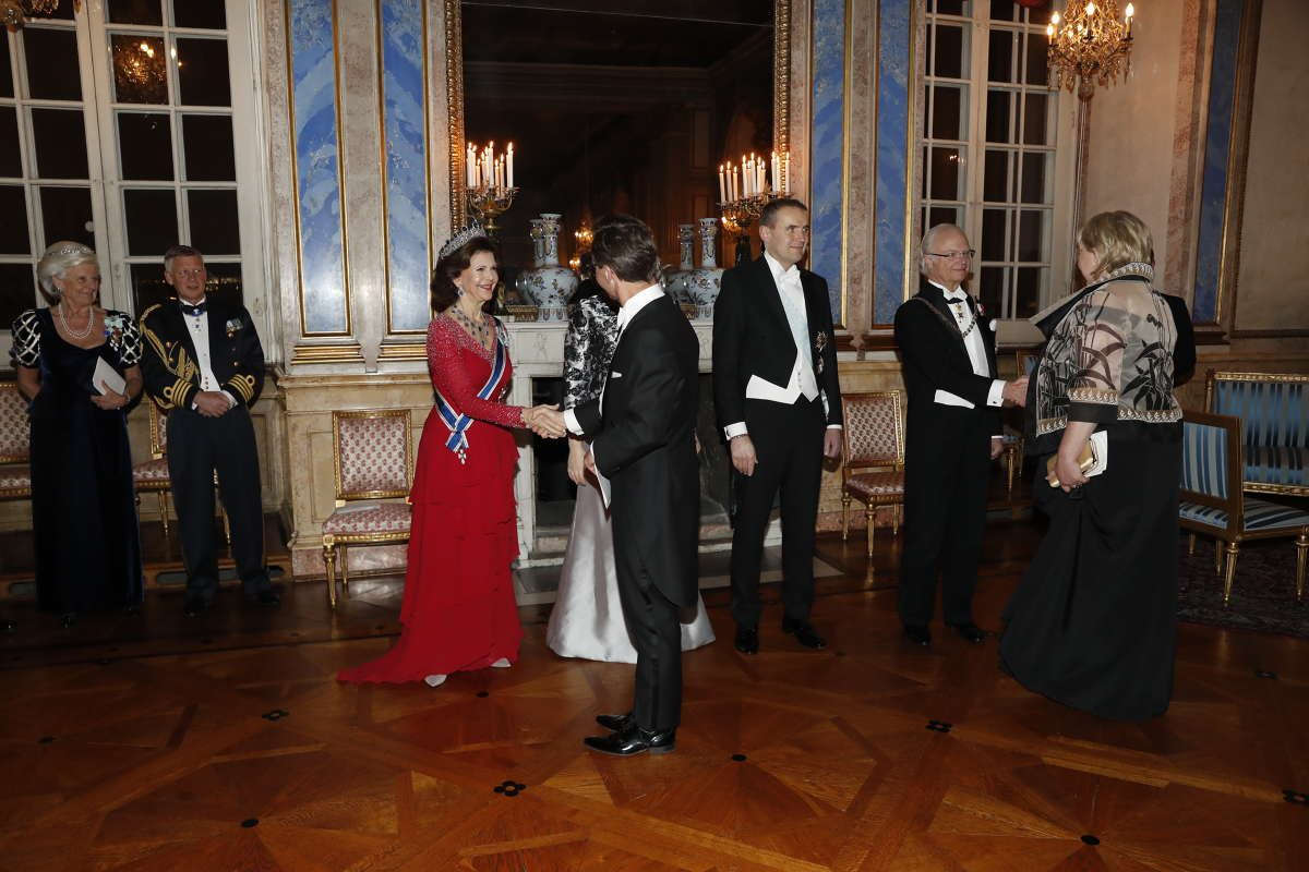 Se fina bilderna från kungafamiljens galamiddag