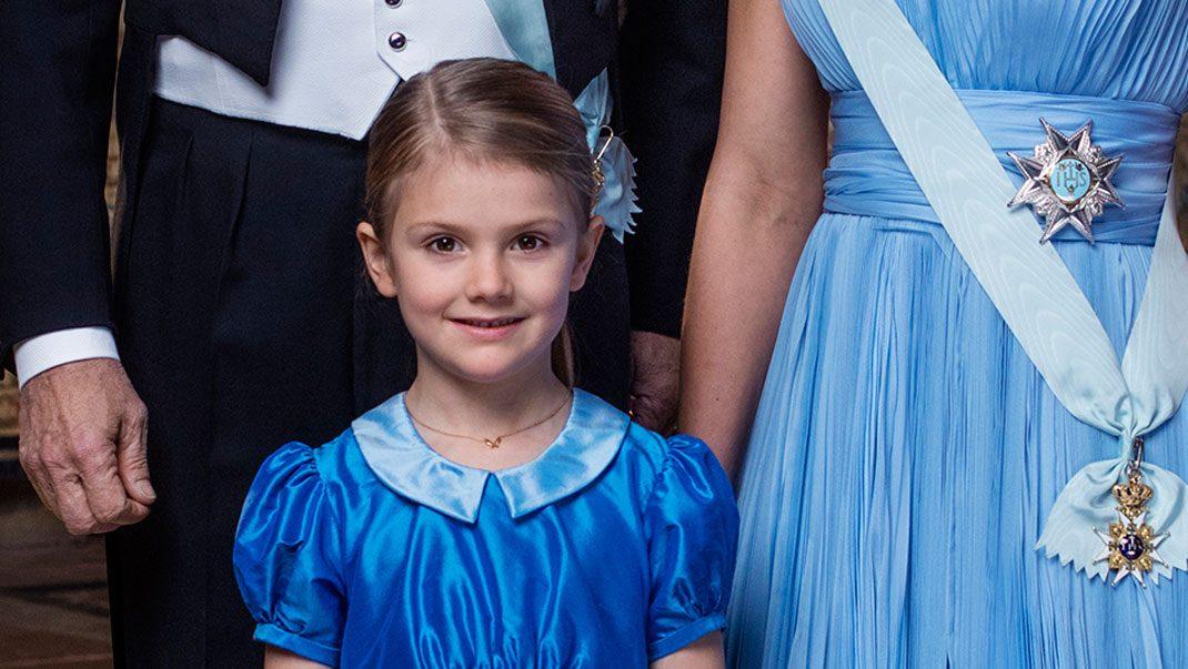 Se historiska bilden på prinsessan Estelle!