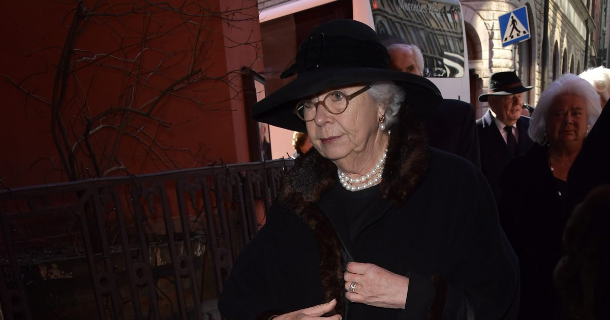 Här tar prinsessan Christina avsked av Kjerstin Dellert