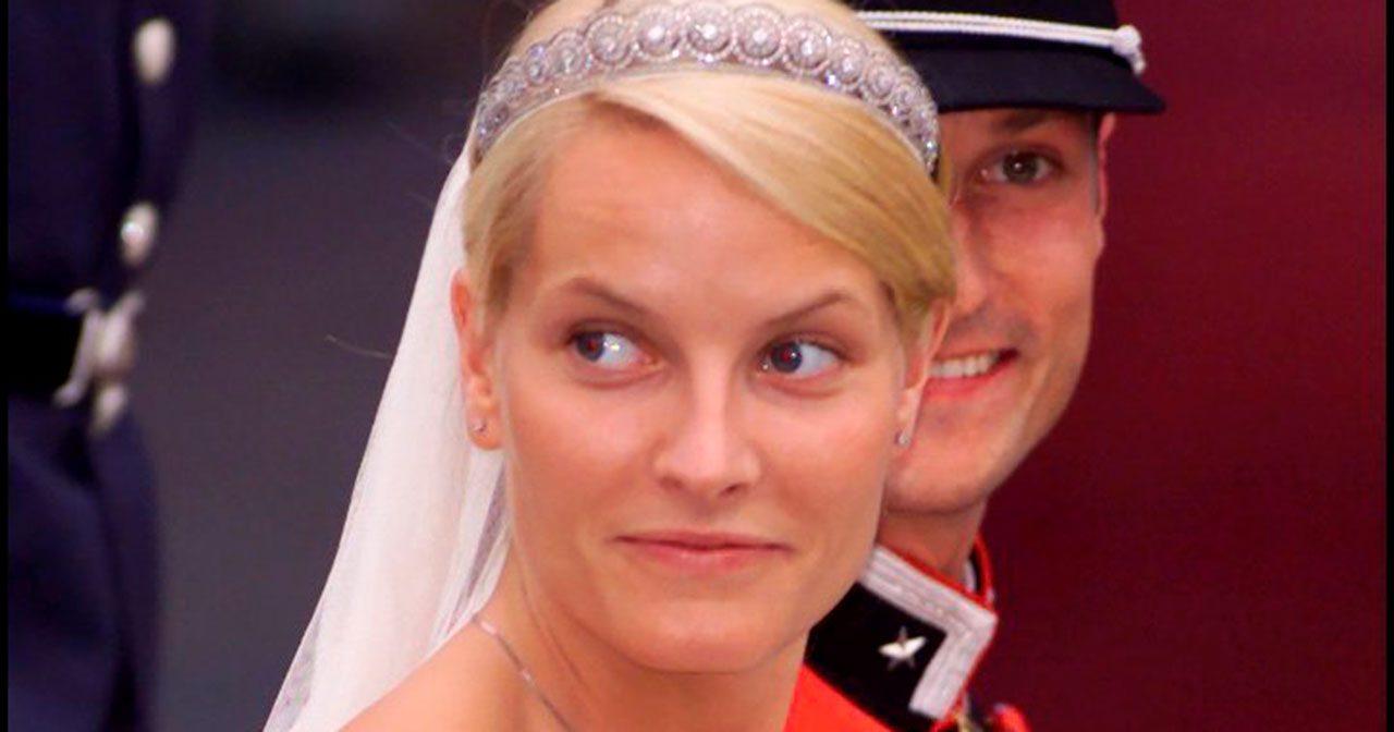 Grattis på bröllopsdagen! I dag firar Haakon och Mette-Marit 17 år som gifta