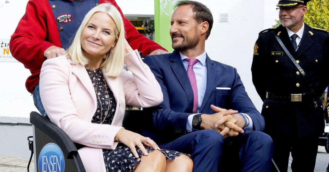 Bildextra: Mette-Marits och Haakons härliga rundresa