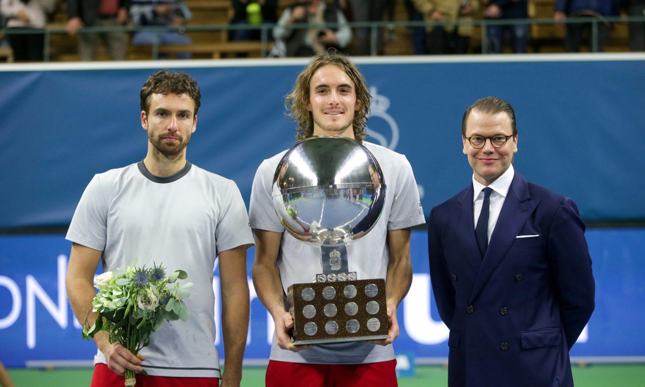 Daniel tar över (tennis)bollen efter kungen och prins Bertil ... 08534a2962162