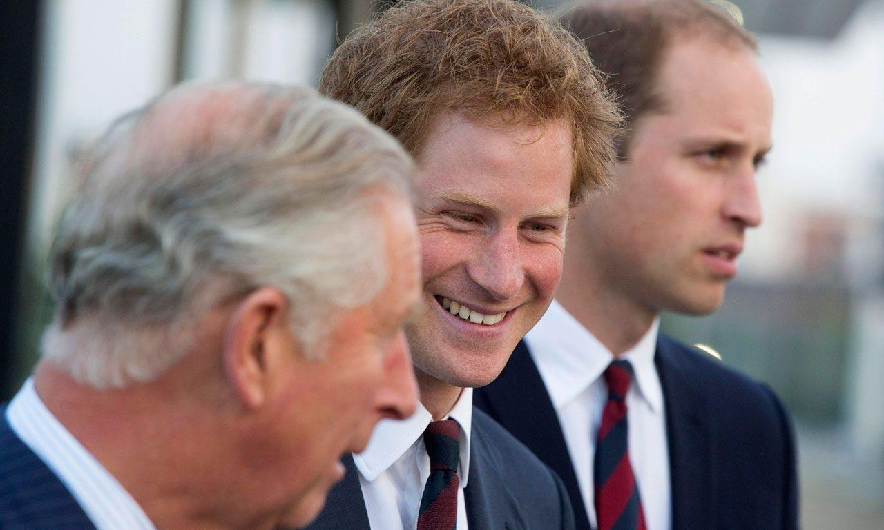 Prins Charles lärde William och Harry att plocka skräp