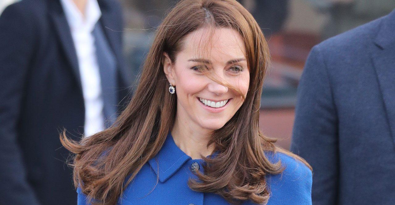 Kate i blått
