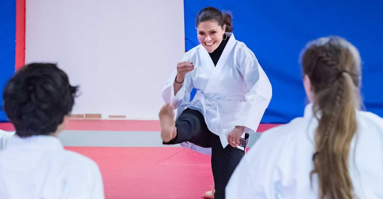 Victorias match mot karatekidsen – se bilderna!