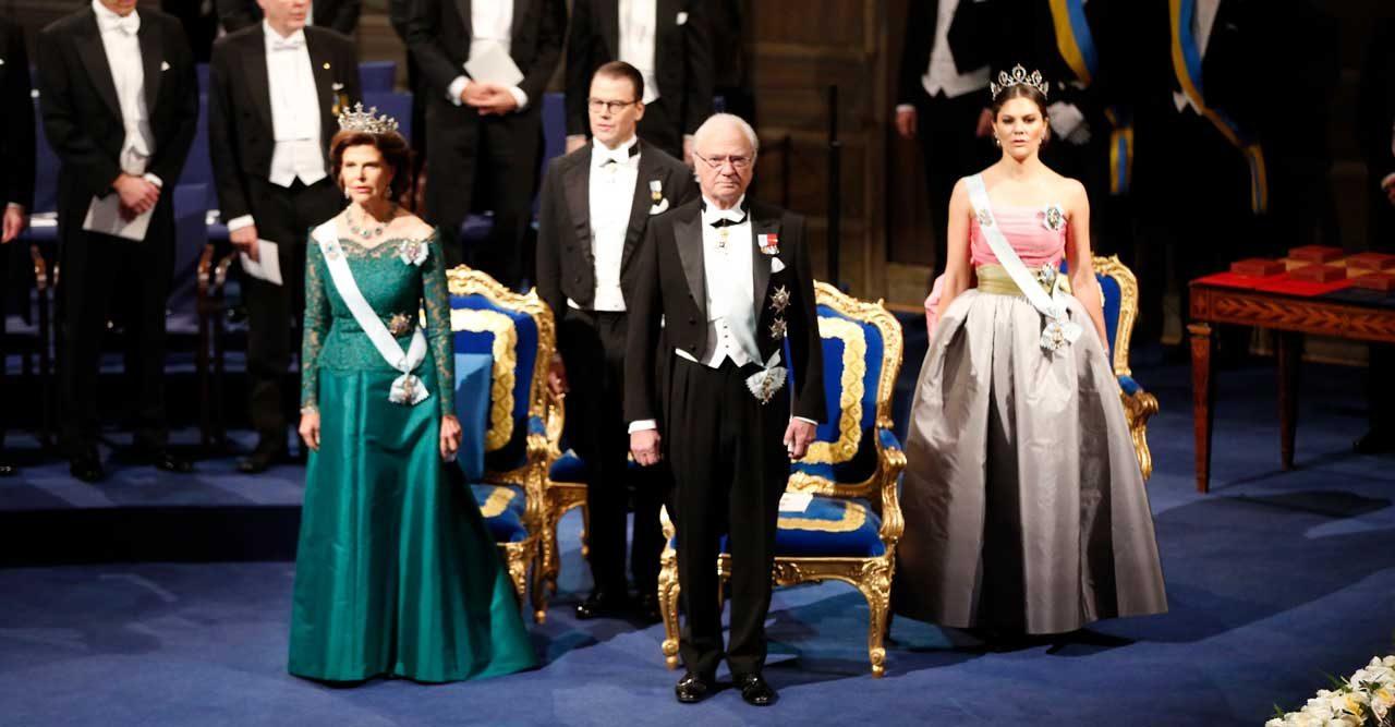 bb91751fd6a2 Se första bilderna på kungafamiljen vid konserthuset   Svensk Damtidning