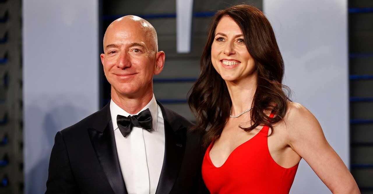 Jeff Bezos och fru McKenzie