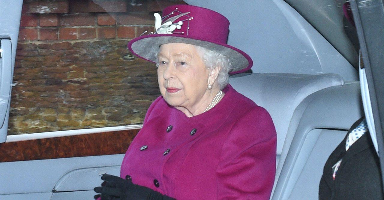 Drottning Elizabeth i bil