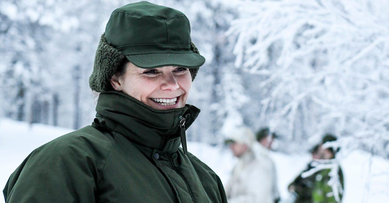 Se filmen – kronprinsessan Victoria i snöskor!