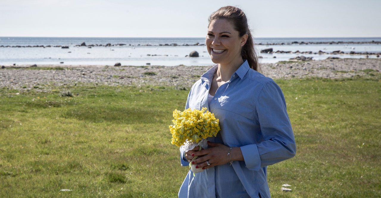 Victoria i blå skjorta