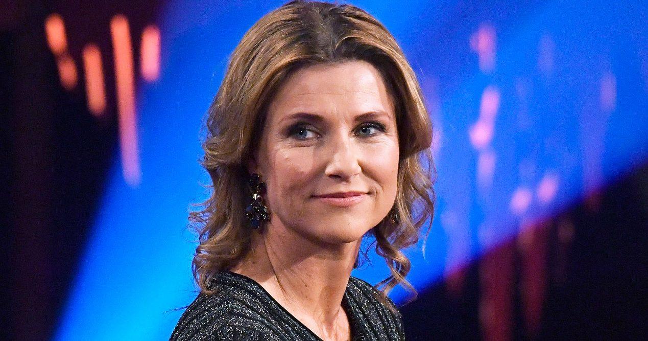 da722ddaad89 Kolla in Märtha Louises nya look – får hjälp av Vogue-stylist. Norska prinsessan  Märtha Louise ...