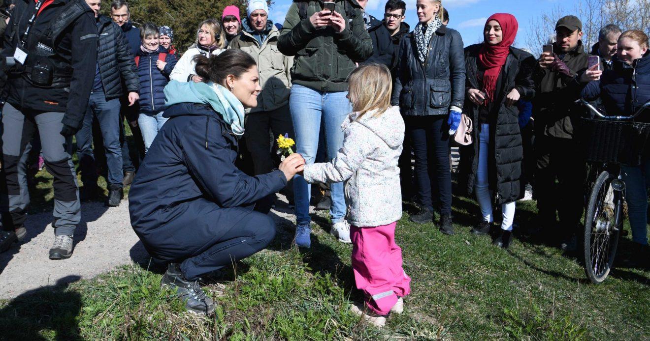 Hundratals vandrade med kronprinsessan i Halland -