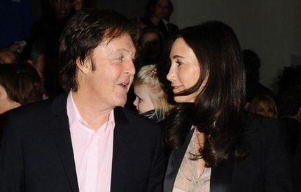 Paul McCartney gifter sig för tredje gången