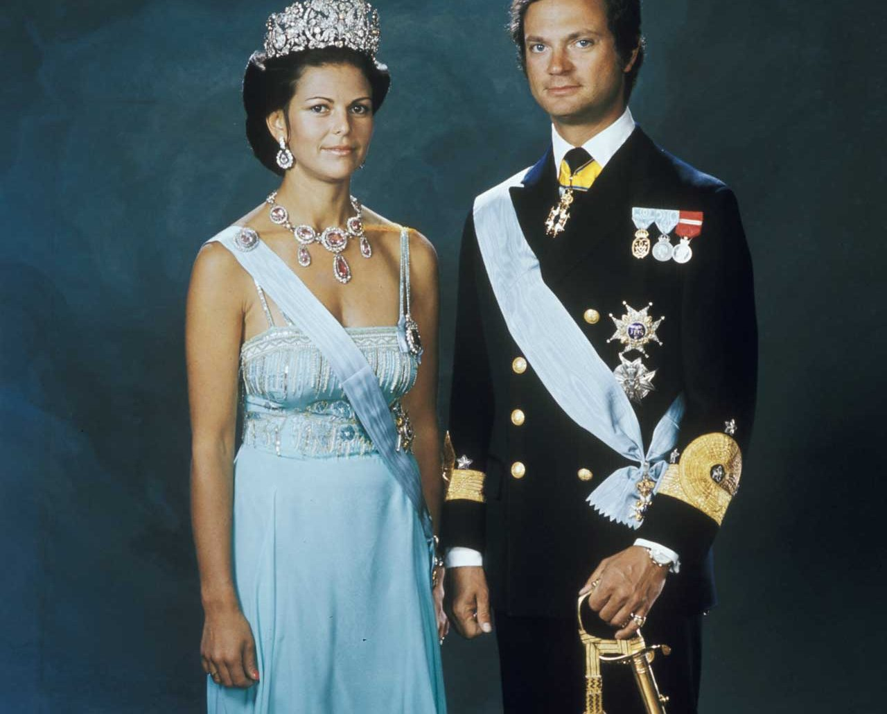 Drottning Silvia och kung Carl Gustaf besökte äldreboende