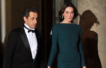 Har president Sarkozys unga hustru bedragit honom?