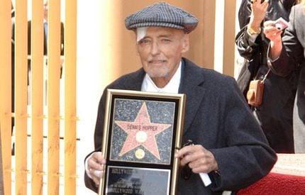 Svårt sjuke Dennis Hopper fick en stjärna i Hollywood