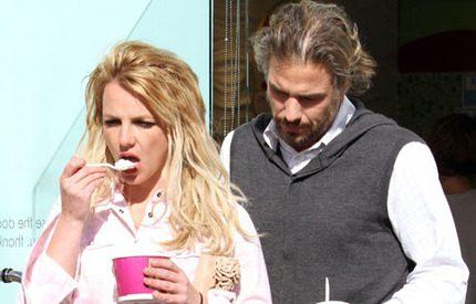 Britney Spears sägs ha pojkvänsproblem igen