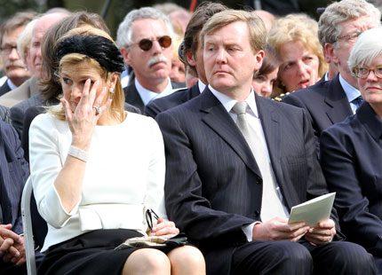 Kronprinsessan Máxima i tårar under minnesgudstjänst