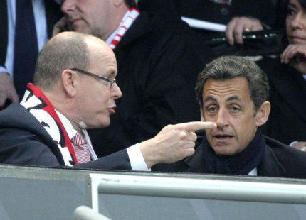 Furst Albert och presidenten på fotbollsmatch