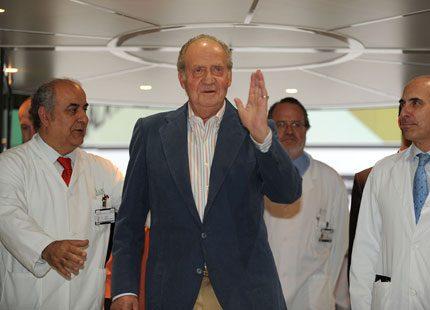 Kung Juan Carlos har nu lämnat sjukhuset