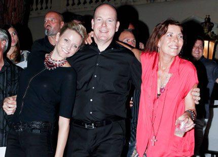 Bildspel: Furst Albert och Charlene rockade loss med Caroline