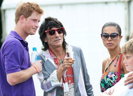 Prins Harry mötte Rolling Stones legend på hästpolomatch