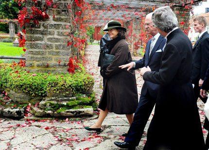 Kungen och drottningen gick i kloster