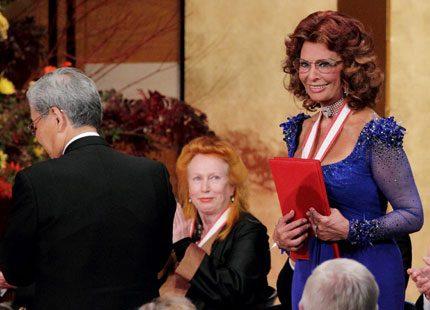 Sophia Loren tog emot prinsens pris i Japan