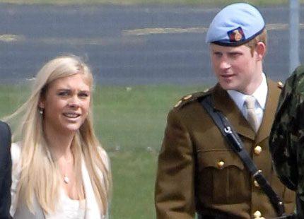 Prins Harry funderar på att ta med sig Chelsy Davy till bröllopet