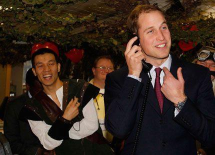 Prins William ringde in pengar till välgörenhet