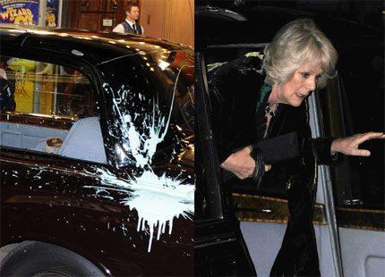 Prins Charles och Camilla attackerades i London