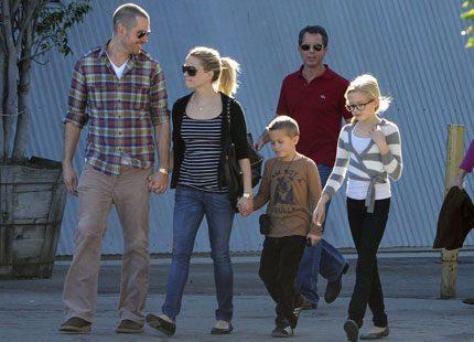 Reese Witherspoon har förlovat sig