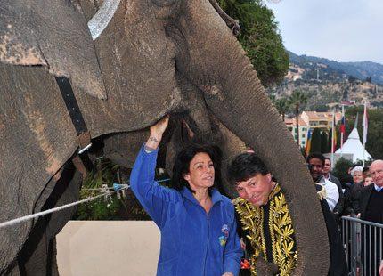 Stéphanie startar upp cirkusfestivalen