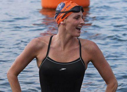 Charlene simmade igen - men fler uppdrag väntade
