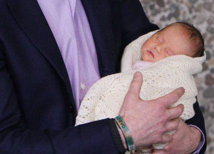 Marys och Frederiks tvillingflicka har varit på sjukhus igen
