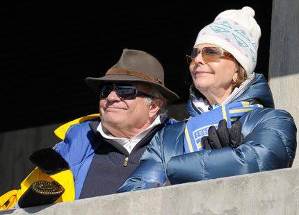 Även kungaparet njöt av skidtävlingarna i Oslo