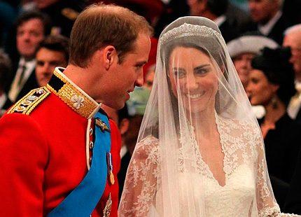 Kates klänning: Från skiss till verklighet