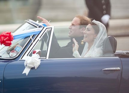 Prins William körde sin nyblivna hustru Catherine i pappas sportbil