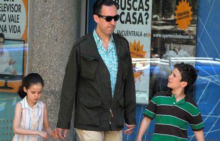 Jaime de Marichalar på stan med barnen
