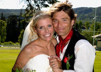Andreas Johnson och Lisa Knapp har gift sig