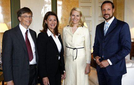 Bill Gates och hustru Melinda på slottsvisit