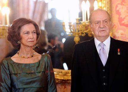 Skräll i Spanien - kungaparet lever totalt skilda liv