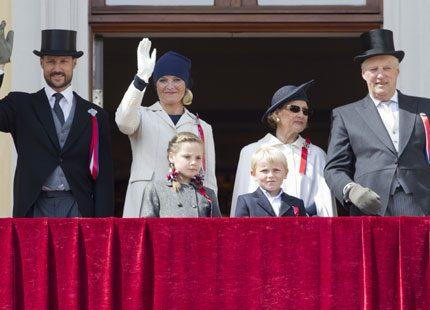 Nya fina bilder på norska kungafamiljen