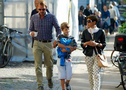 Prins Felix får sällskap till skolan