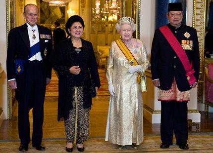 Drottning Elizabeth och prins Philip ska snart på semester
