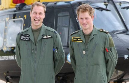 Prinsarna lär sig flyga helikopter