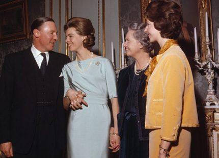 Kungliga Modebloggen - Margareta och Victoria lika som bär
