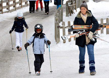 Prinsessan Claire utan maken i alperna - prins Laurent i skidolycka